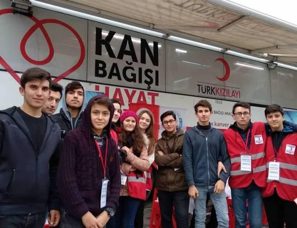 Köprülüler Anadolu Lisesi Kan Bağışı Kampanyası Düzenledi