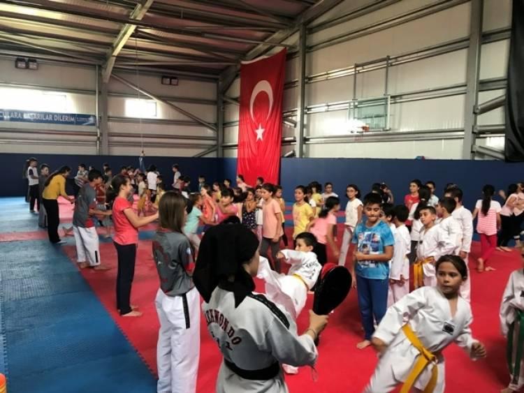 Vezirköprü'de Yaz Spor Okuluna Büyük İlgi